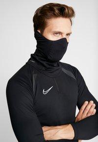 Nike Performance - SNOOD - Tubhalsduk - black/reflect black - 4