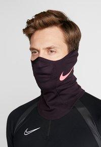 Nike Performance - STRIKE SNOOD - Hals- og hodeplagg - burgundy ash/racer pink - 4