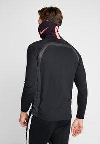 Nike Performance - STRIKE SNOOD - Hals- og hodeplagg - burgundy ash/racer pink - 2