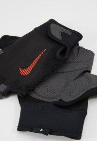 Nike Performance - ULTIMATE FITNESS GLOVES - Handsker - black/light crimson - 5