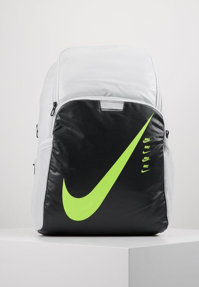 Nike Performance - Reppu - photon dust/smoke grey/ghost green