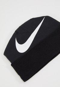Nike Performance - BEANIE GFA TEAM - Mössa - black/white - 2