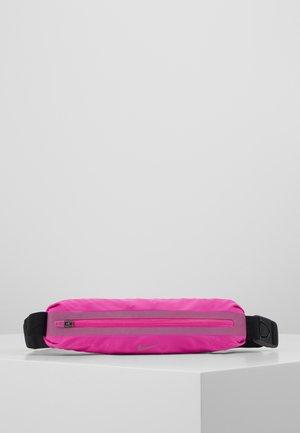NIKE SLIM WAISTPACK 2.0 - Marsupio - fire pink/black/fire pink