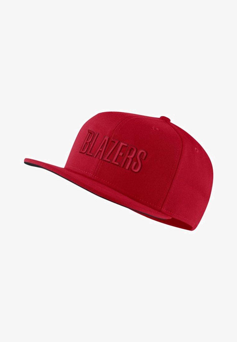 Nike Performance - PORTLAND TRAIL BLAZERSAEROBILL NBA  - Caps - university red