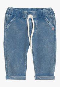 Noppies - PANTS SLIM CHEVAL BABY - Džíny Slim Fit - medium blue wash - 0