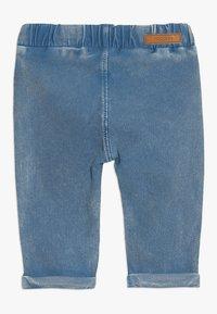 Noppies - PANTS SLIM CHEVAL BABY - Džíny Slim Fit - medium blue wash - 1