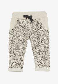 Noppies - PANTS REGULAR CHICO BABY - Trousers - whisper white melange - 2