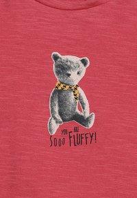 Noppies - TEE REGULAR CHEVIOT BABY - Long sleeved top - garnet rose - 4