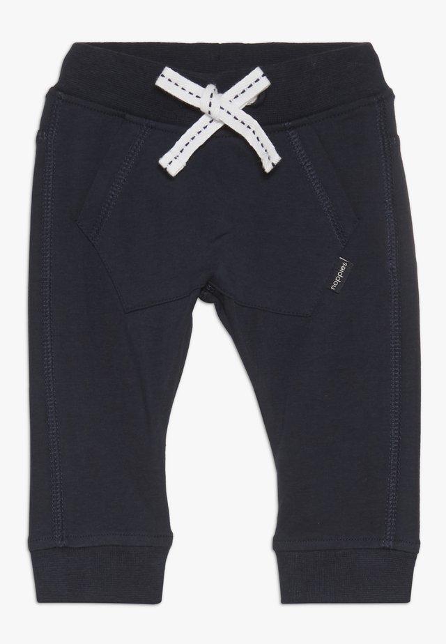 SLIM FIT PANTS MATTHEWS - Pantalon classique - dark sapphire