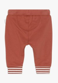 Noppies - RELAXED FIT PANTS ANNEI - Pantalon classique - spicy ginger - 1