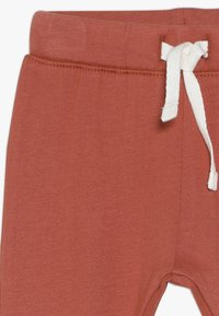 Noppies - RELAXED FIT PANTS ANNEI - Pantalon classique - spicy ginger - 3