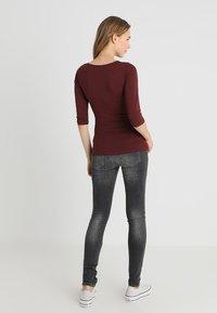 Noppies - AVI EVERYDAY - Jeans Skinny Fit - grey - 2