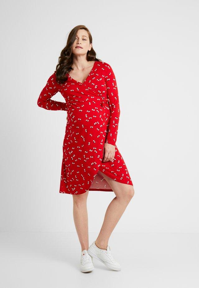 DRESS NURSING ZAYNA - Žerzejové šaty - tango red