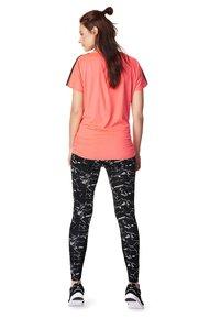 Noppies - T-shirt basic - coral - 1