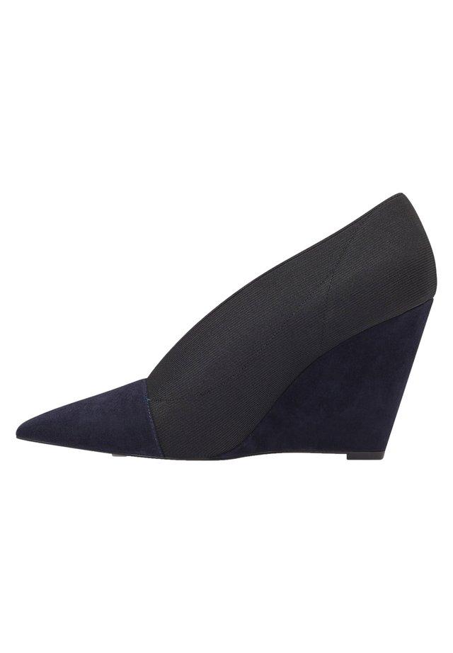 High heels - königsblau