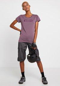 ION - TEE SEEK - T-Shirt print - antic lila - 1