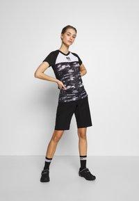 ION - TEE SCRUB AMP DISTORTION  - T-shirt z nadrukiem - black - 1