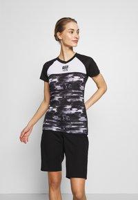 ION - TEE SCRUB AMP DISTORTION  - T-shirt z nadrukiem - black - 0