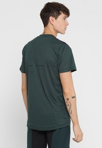 ION - TEE SCRUB AMP - T-Shirt print - green seek