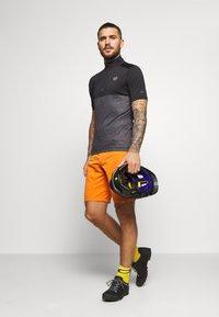 ION - TEE HALF ZIP PAZE - Sports shirt - black - 1