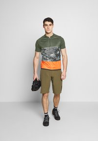 ION - TEE HALF ZIP TRAZE - T-shirt z nadrukiem - root brown - 1
