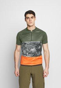 ION - TEE HALF ZIP TRAZE - T-shirt z nadrukiem - root brown - 0
