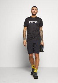 ION - TEE SCRUB - T-Shirt print - black - 1