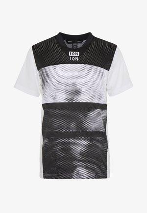 TEE SCRUB - T-shirt z nadrukiem - peak white