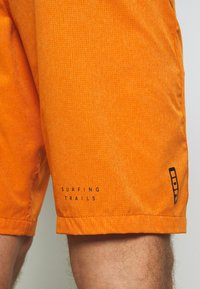 ION - BIKESHORT PAZE - Sports shorts - riot orange - 4
