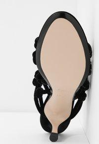 N°21 - Pantofle na podpatku - black - 6