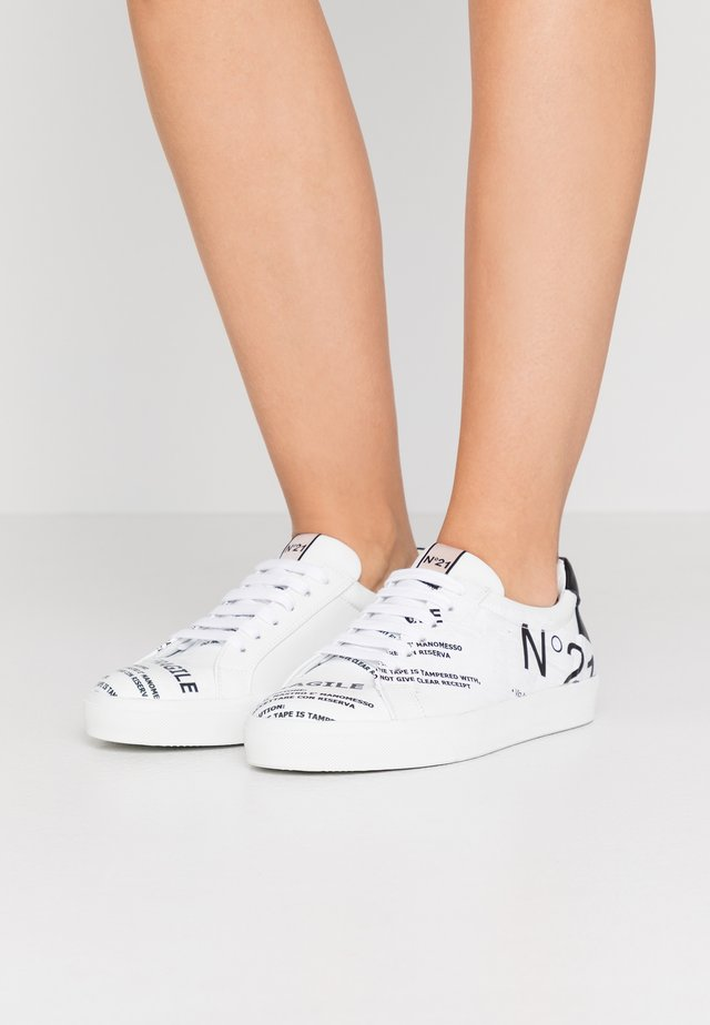 GYMNIC - Sneakers - white