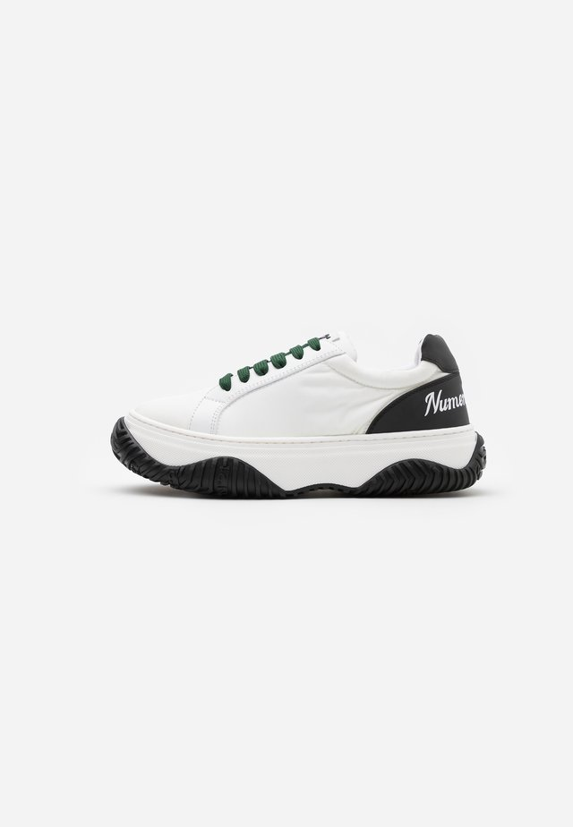 GYMNIC - Trainers - white