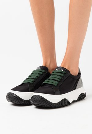 GYMNIC - Trainers - black