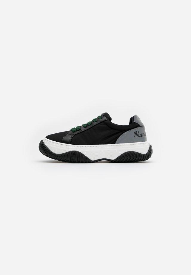 GYMNIC - Sneakers laag - black