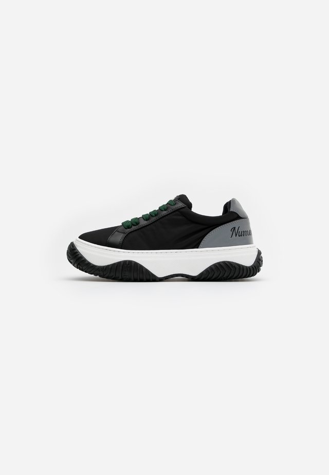 GYMNIC - Sneakersy niskie - black