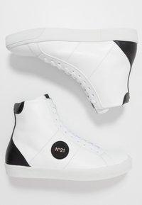 N°21 - GYMNIC  - Baskets montantes - white - 1