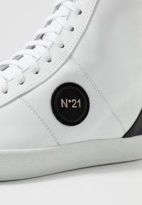 N°21 - GYMNIC  - Baskets montantes - white - 5