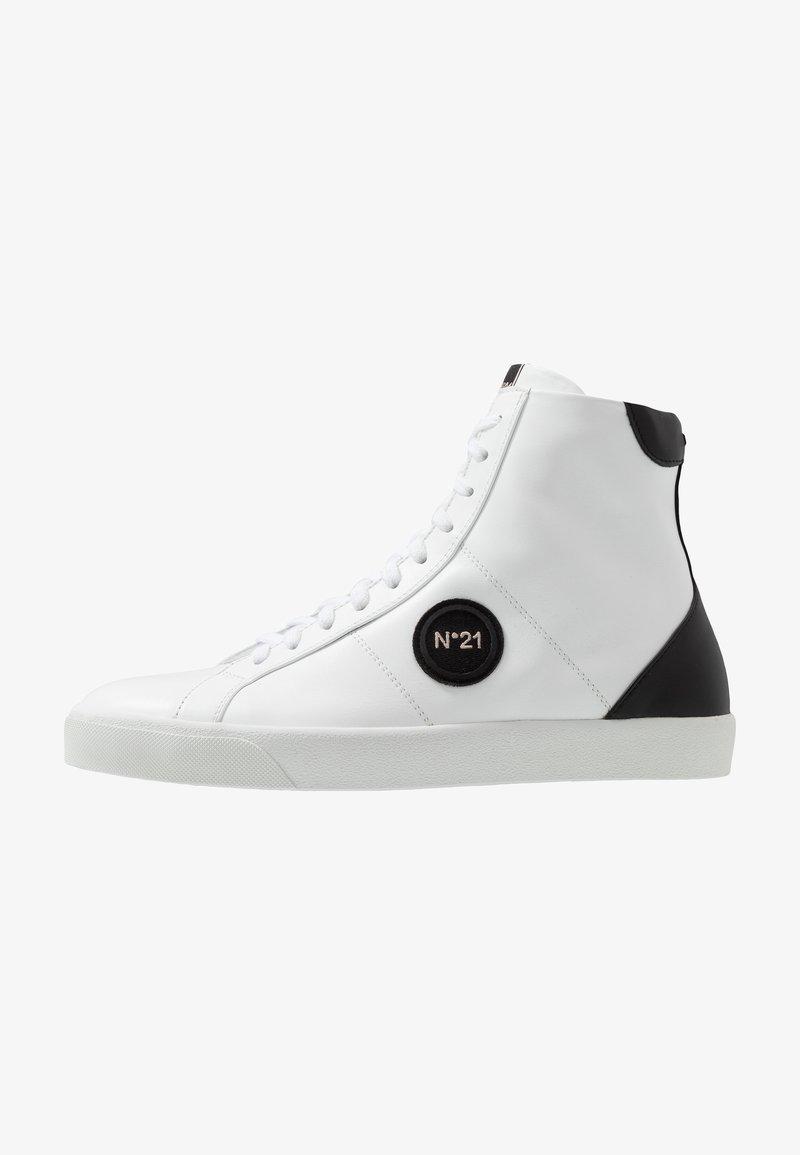 N°21 - GYMNIC  - Baskets montantes - white