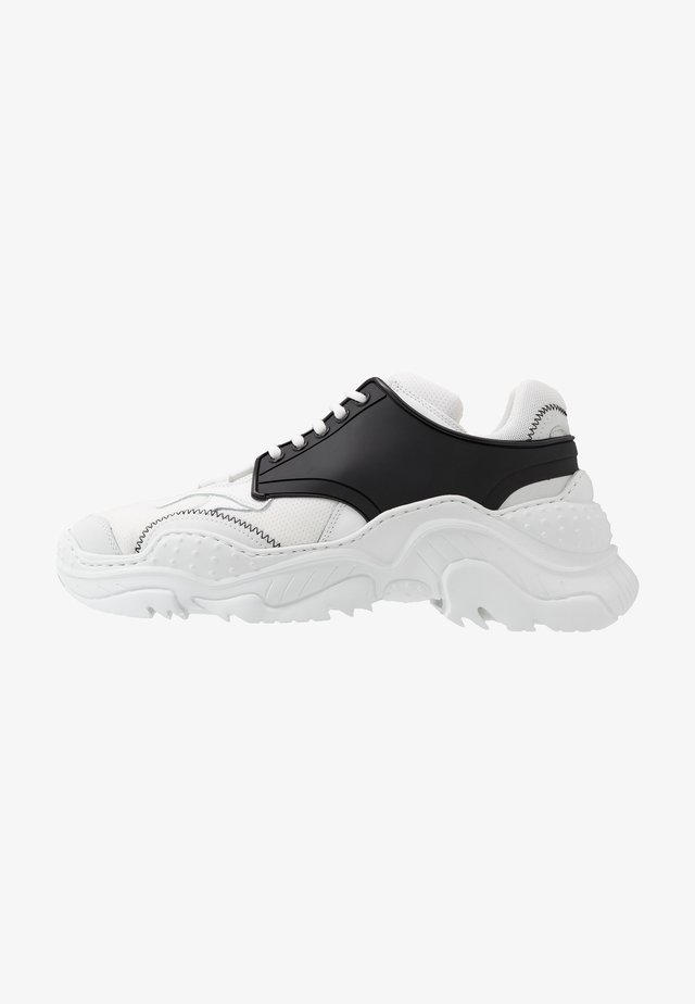 BILLY - Sneakers - white/black
