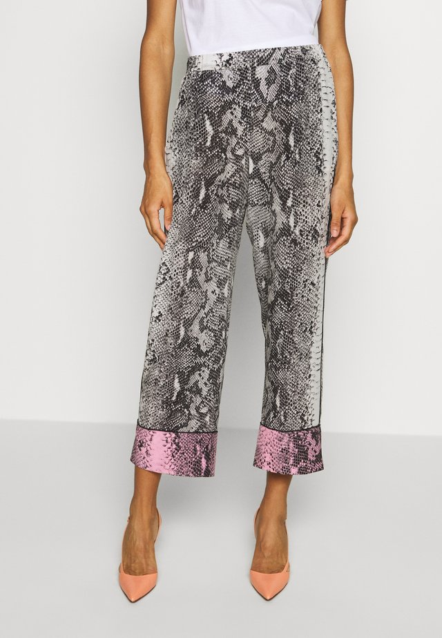 SNAKE PRINT PANT - Pantalon classique - fondo beige