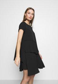 N°21 - Day dress - black - 4
