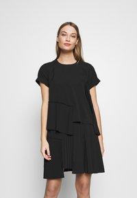 N°21 - Day dress - black - 0