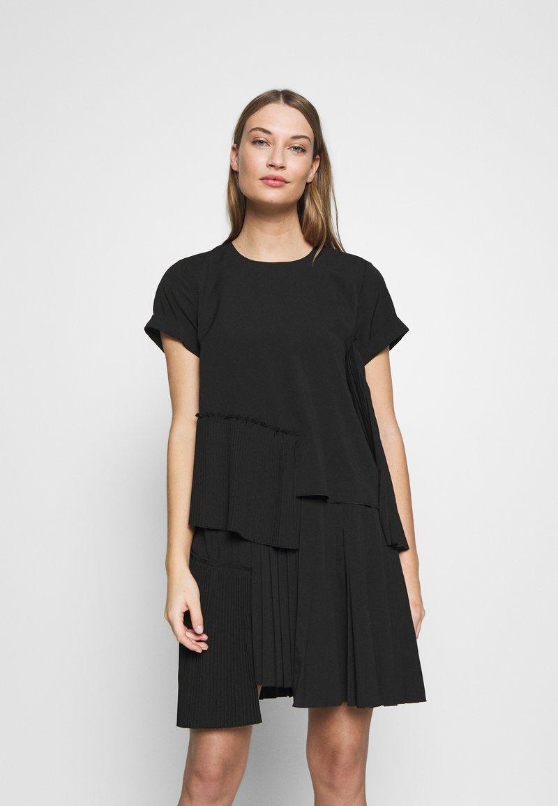 N°21 - Day dress - black