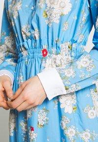 N°21 - Day dress - fantasia base azzurra - 4