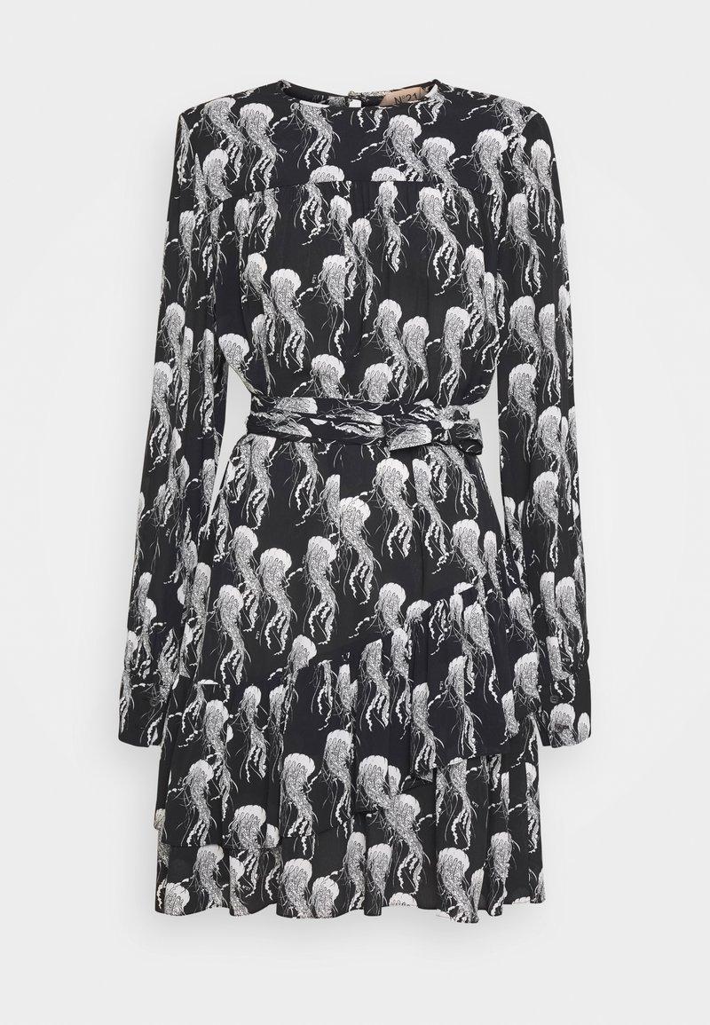 N°21 - Vestito estivo - nero