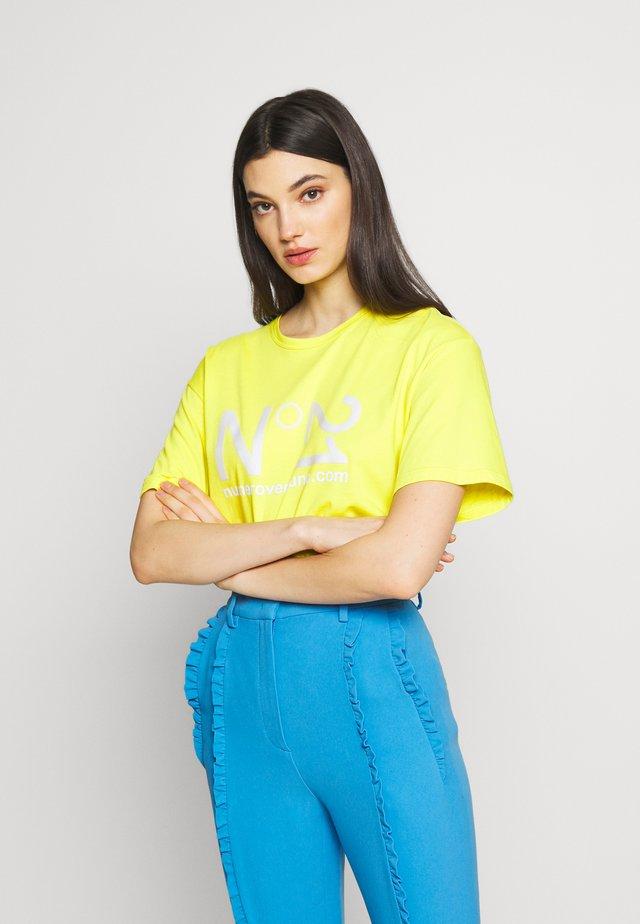 T-shirt z nadrukiem - mimosa