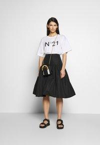 N°21 - T-shirt imprimé - white - 1