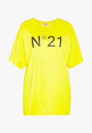T-shirts med print - mimosa