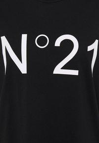 N°21 - T-shirt con stampa - black - 2