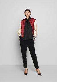 N°21 - Overhemdblouse - black - 1